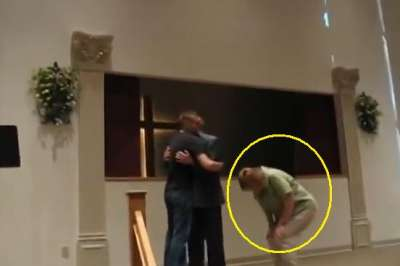 U.S. Army Sergeant Surprises Parents During Church Service. Mom's Reaction Is Priceless!