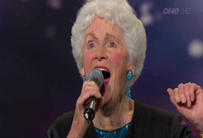 This 91-Year-Old Singer's Voice Is Seriously Wow. You Will Get Chills!