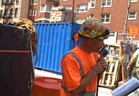 Construction Worker Picks Up Mic During His Lunchbreak And His Voice Is Incredible
