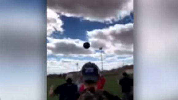 Gender reveal goes hilariously wrong, what the family and friends do will make your day